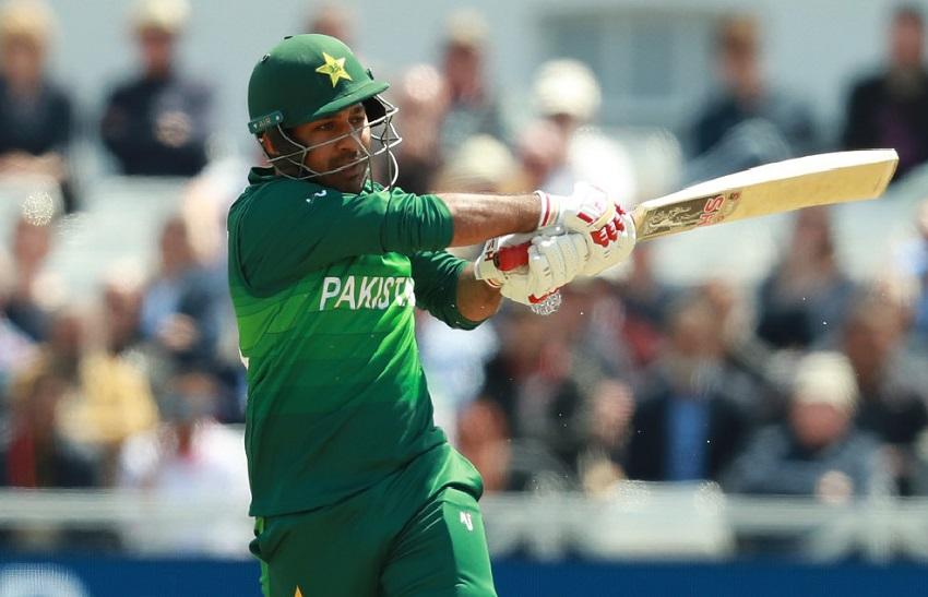 PAK vs SL 3rd ODI: पाकिस्तानी कर्णधार सरफराज अहमद ने रचला इतिहास, एमएस धोनी च्यासह 'या' एलिट लिस्टमध्ये झाला समावेश