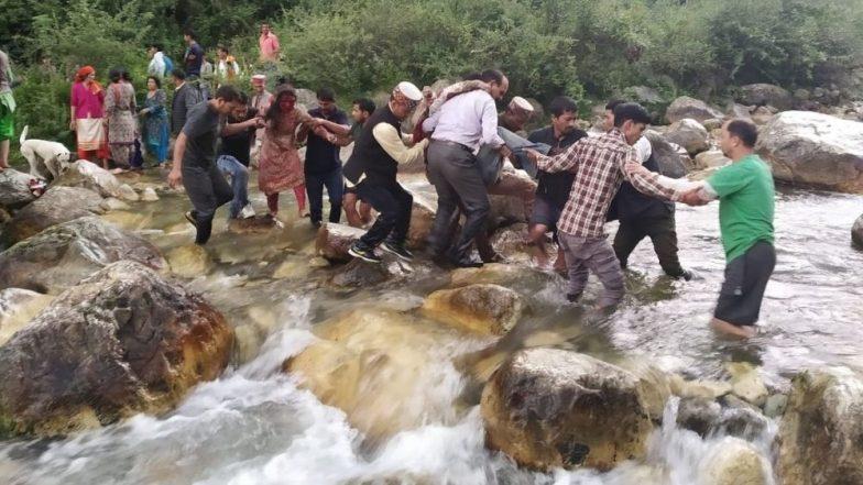 हिमाचल प्रदेशात बसला भीषण अपघात, 25 प्रवाशांचा मृत्यू