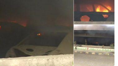 बोरीवली मध्ये पुलाखाली पार्क केलेल्या बेवारस वाहनांना आग, आगीचे कारण अस्पष्ट