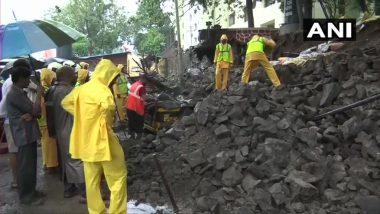 मुंबई: चेंबूर येथे भिंत कोसळली, दोन रिक्षांचे नुकसान