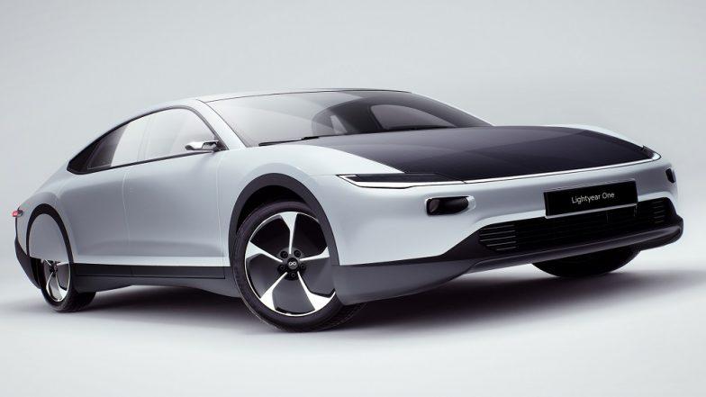 लवकरच सादर होणार सौरऊर्जेवर चालणारी कार; एकदा चार्जिंग केल्यावर चालणार तब्बल 725 किमी, जाणून घ्या वैशिष्ठ्ये