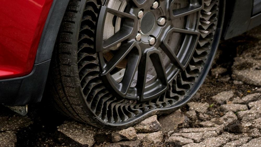 आता ना टायर पंक्चर होण्याची भीती, ना हवा भरण्याची कटकट; कारण बाजारात येत आहे Airless Tires
