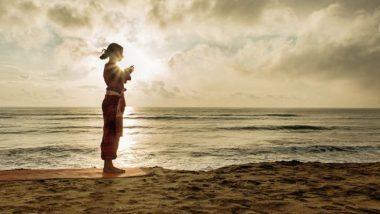 International Yoga Day 2019 निमित्त जाणून घ्या सूर्य नमस्कार घालण्याच्या स्टेप्स आणि फायदे