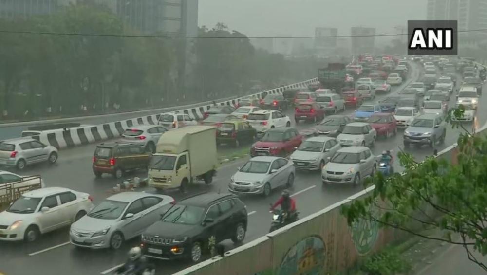 Mumbai Rains Traffic Update: हिंदमाता, सायन परिसरात ट्राफिक जॅम टाळण्यासाठी वाहतूक मार्गांमध्ये बदल; BMC चं ट्विट