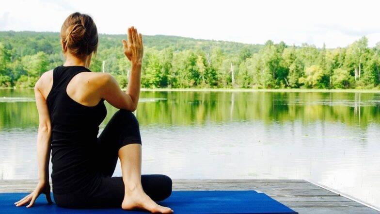 International Yoga Day 2019: योगा करताना या 10 गोष्टींचा नक्की करा विचार, नाहीतर फायदा होण्याऐवजी शरीरावर होईल दुष्परिणाम