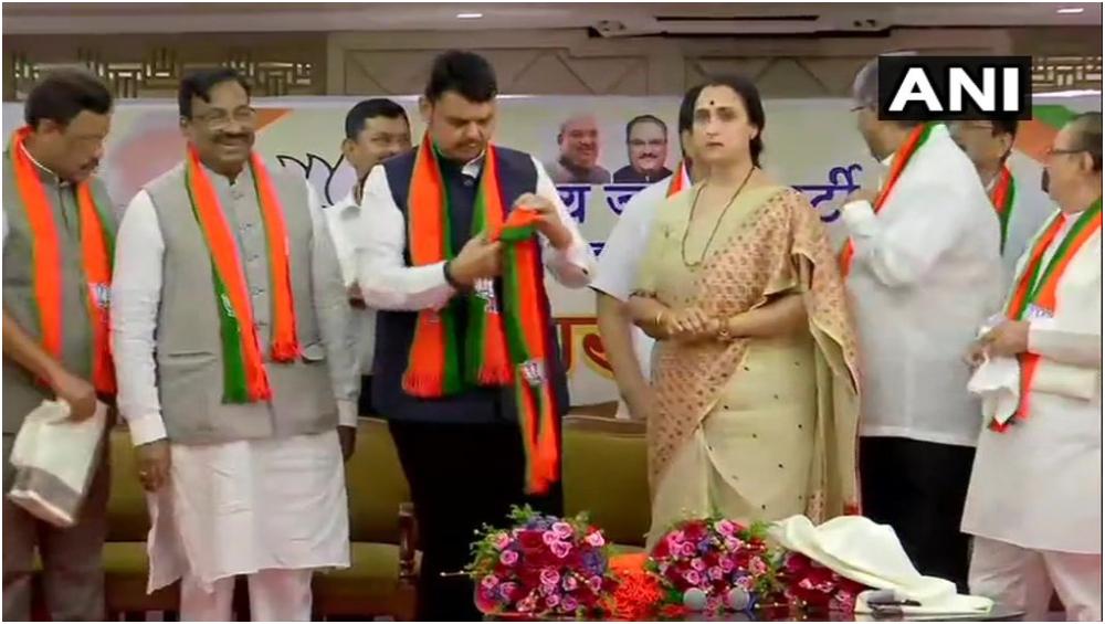 BJP Mega Recruitment 2019: काँग्रेस, राष्ट्रवादी काँग्रेस पक्षातील प्रमुख नेत्यांचा BJP प्रवेश; पाहा यादी