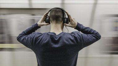 तुम्ही जास्तवेळ Earphones लावून गाणी ऐकता? वेळीच काळजी घ्या नाहीतर 'या' गंभीर आजारांना बळी पडाल
