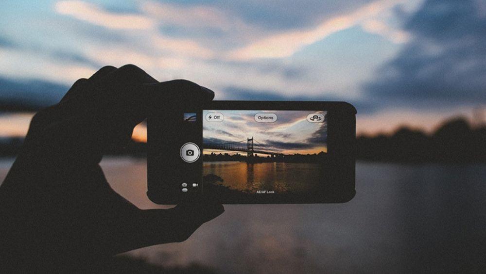 iPhone Photography Awards 2019:  फोटोग्राफीच्या स्पर्धेत डिम्पी भलोतिया आणि श्रीकुमार कृष्णन या भारतीयांनी पटकावला पुरस्कार
