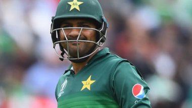 पाकिस्तानी कर्णधार सरफराज अहमद झाला खजील; पत्रकार परिषदेत मान खाली घातली, पहा Video