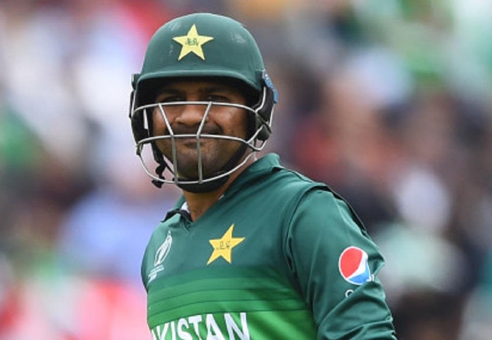 श्रीलंकाविरुद्ध टी-20 मालिकेत पराभवानंतर पाकिस्तानात हंगाम, सफराझ अहमद यालाकर्णधारपदावरून काढून टाकण्यासाठी विधानसभेत प्रस्ताव