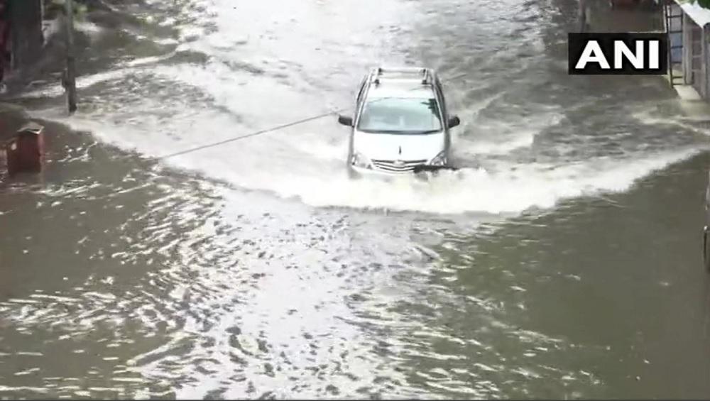 Monsoon Tips for Car: पावसात कार चालविण्यापूर्वी 'या' गोष्टींकडे चुकूनही करु नका दुर्लक्ष