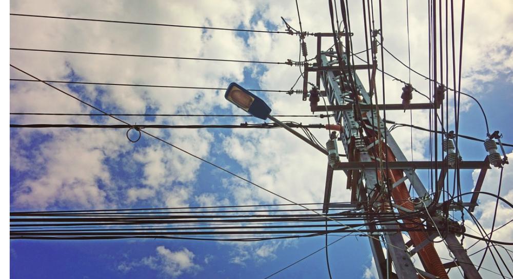 रात्रीच्या तुलनेत दिवसा वीजेचे दर स्वस्त होणार; केंद्र सरकार वीज दराबाबत नवी नियमावली आणण्याच्या तयारीत