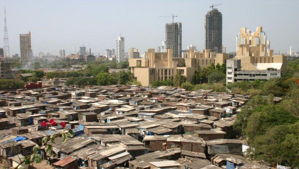 मुंबईतील फूटपाथांवरील 142 रहिवाशांना मिळणार हक्काची घरं