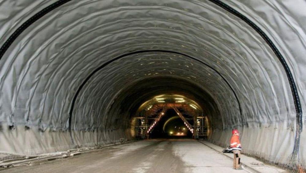 कल्याण: आंबिवली येथील रेल्वे स्थानकाजवळील बोगदा धोकादायक