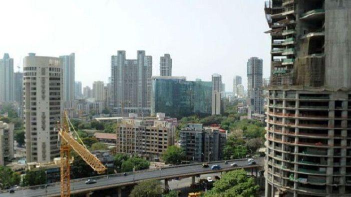 मुंबई मध्ये तब्बल 485 अतिधोकादायक इमारती; जीव मुठीत धरून राहत आहेत रहिवासी