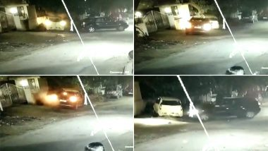 पुणे: दारूच्या नशेत महिलेची पार्क केलेल्या गाड्यांना मुद्दामून टक्कर मारून नासधूस; पोलिस स्थानकामध्येही उर्मट भाषेचा वापर (Watch Video)