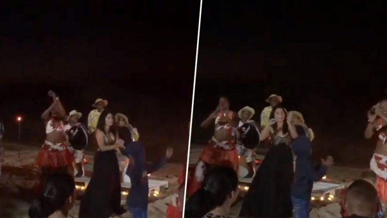 जेव्हा सोनाली कुलकर्णी मॉरिशसच्या किना-यावर बेधुंद होऊन 'सेगा' नृत्यावर थिरकते तेव्हा, पाहा व्हायरल व्हिडिओ