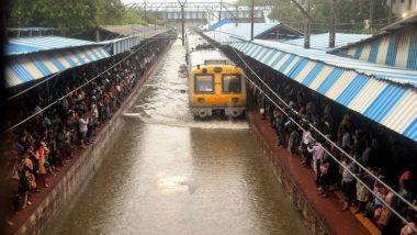 Mumbai Rain Updates: मुंबईमध्ये मुसळधार पावसाचा 'मध्य रेल्वे' ला फटका; लोकल 20-30 मिनिटं उशिरा