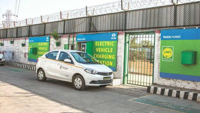 टाटा पॉवर आणि टाटा मोटर्सचे भारतात 300 Fast-Charging Stations उभारण्याचे लक्ष्य; पहिले तीन महिने मोफत चार्जिंगची सुविधा
