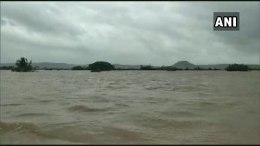 West Bengal Flood: मुसळधार पावसामुळे पश्चिम बंगालमध्ये आला पूर; 2 लाखांहून अधिक नागरिकांचे स्थालांतर, पाहा फोटो