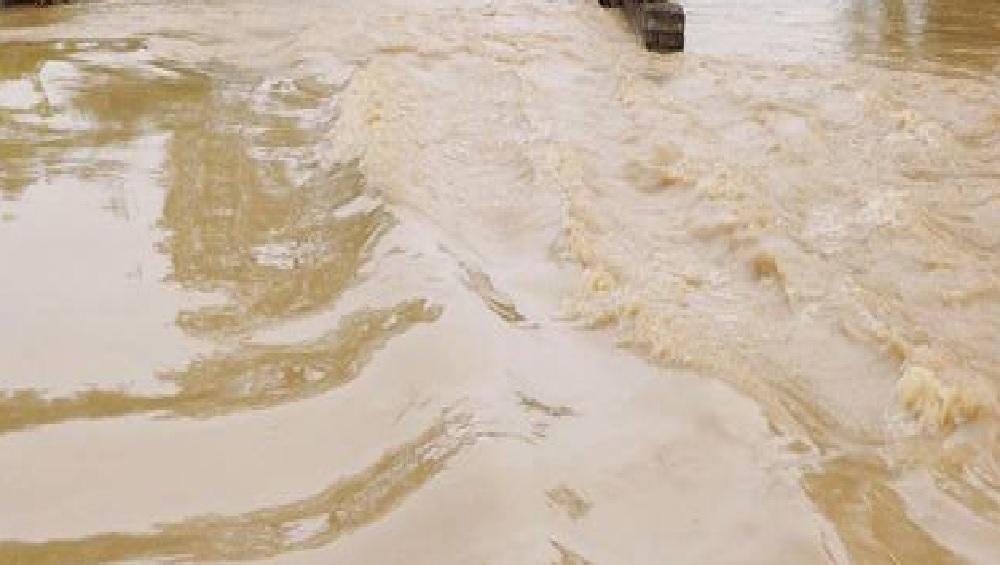 पुणे: पाऊस नाही गावात, पुराचं पाणी घुसलंय घरात; इंदापूर तालुक्यातील अनेक गावांची स्थिती