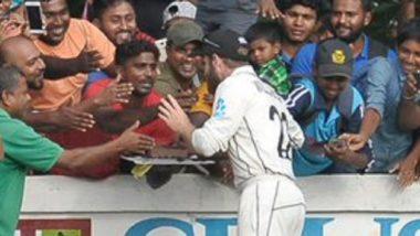 SL vs NZ Warm-Up मॅच दरम्यान चाहत्यांसोबत मैदानावरच सेलीब्रेट केला केन विल्यमसन याने 29 वा वाढदिवस, पहा Video
