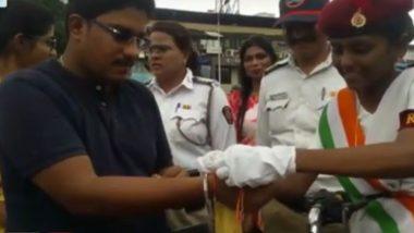 वाहतुकीचे नियम मोडणाऱ्या लोकांना विद्यार्थिनींनी बांधली राखी; नवी मुंबई वाहतूक पोलिसांचा अनोखा उपक्रम