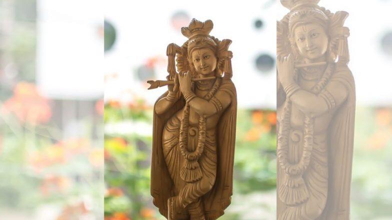 2000 वर्ष जुन्या श्रीकृष्णाच्या मूर्ती इंग्लंड कडून भारताकडे सुपूर्त, ध्वजारोहण सोहळ्यात उच्च आयुक्त रुची घनश्याम यांनी घेतला ताबा