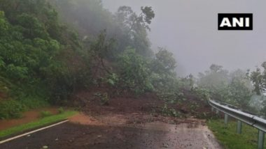 आंबेनळी घाटाच्या लगत डोंगराचा भाग कोसळला, पोलादपूर ते महाबळेश्वर दरम्यान वाहतूक बंद