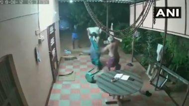 तामिळनाडू: वृद्ध जोडप्याकडून सशस्त्र दरोडेखोरांचा यशस्वी प्रतिकार; सोशल मीडियावर धाडसी दाम्पत्याचे कौतुक (व्हिडिओ)