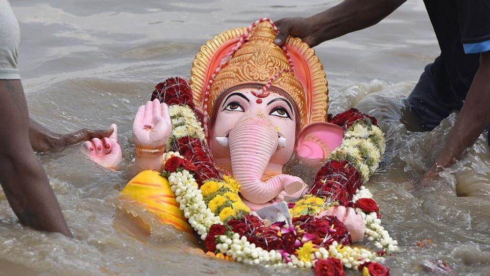 Ganesh Visarjan 2019 Muhurat: यंदा दीड, 5,7 आणि 10 दिवसांच्या गणपतींचं विसर्जन करण्याचे मुहूर्त काय?