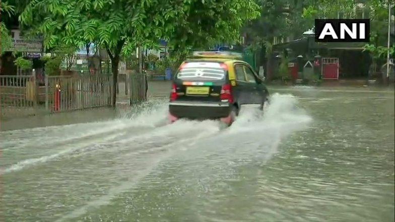 Mumbai Rains Update: मुंबईसह पालघर, कोल्हापूर मध्ये मुसळधार पाऊस;  सखल भागात पाणी साचल्याने मुंबई पोलिसांचे नागरिकांना सतर्क राहण्याचे आदेश