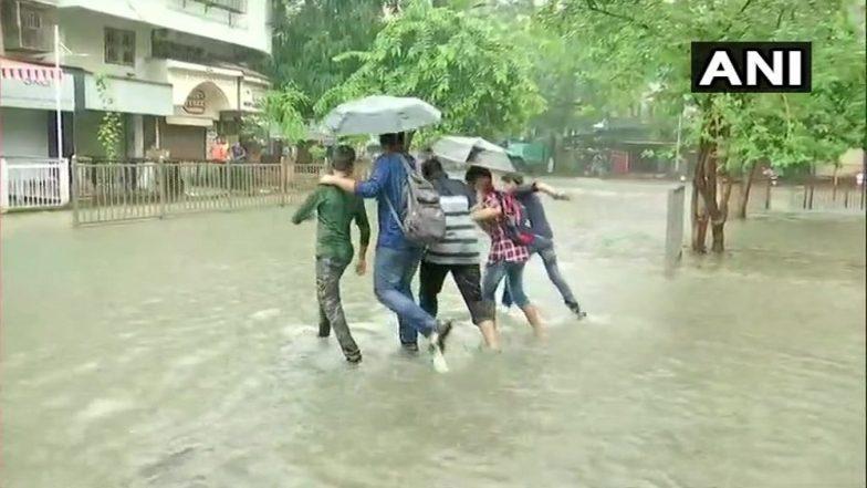 Mumbai Rain Update: मुंबईत मुसळधार पाऊस, वेधशाळेने दिला अतिवृष्टीचा इशारा
