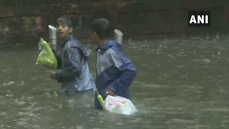 Rainfall In Mumbai City: कुर्ला परिसरात पूरस्थिती, तेराशे नागरिकांचे स्थलांतर; NDRF जवानांकडून सावधगिरीचा उपाय