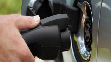 मुंबईच्या रस्त्यांवर निळ्या-पांढऱ्या रंगाच्या इलेक्ट्रिक ऑटो रिक्षा धावणार; राज्य परिवहन प्राधिकरणाची प्रस्तावाला मंजुरी