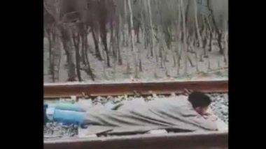 मुंबई लोकल रेल्वे प्रवासादरम्यान स्टंट करणाऱ्यांनो सावधान! भोगावी लागेल पाच वर्षे तुरुंगवासाची शिक्षा