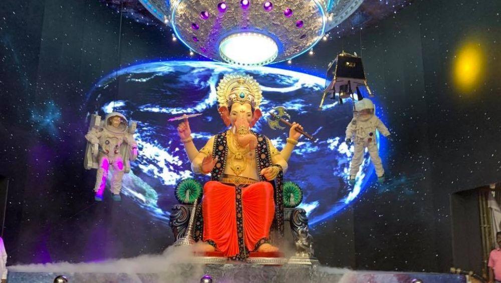 Lalbaugcha Raja 2019 LIVE Mukh Darshan Day 5:  मुंबईतील प्रसिद्ध 'लालबागचा राजा'चे मुखदर्शन घरबसल्या लाइव्ह दर्शन येथे पहा