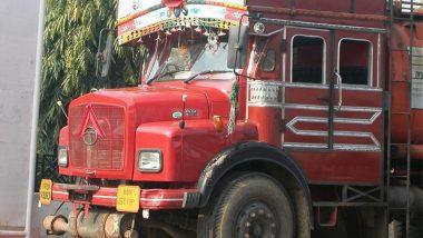 लखनऊ: लुंगी नेसून ट्रक चालविणे पडणार महागात, ट्रकचालकास भरावा लागणार 2000 रुपयांचा दंड