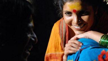 राष्ट्रीय पुरस्कार प्राप्त मराठी चित्रपट 'जोगवा' ला 10 वर्ष पूर्ण झाल्यानिमित्त अभिनेत्री मुक्ता बर्वेने शेअर केल्या शूटिंगच्या काही खास आठवणी, पाहा फोटोज