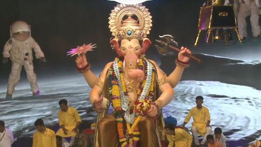 Lalbaugcha Raja 2019 LIVE Mukh Darshan Day 11: लालबागच्या राजाचे दर्शन आणि आरतीचं लाईव्ह स्ट्रीमिंग इथे पहा; आज भाविक देणार बाप्पाला निरोप