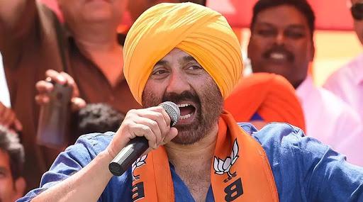 Maharashtra Assembly Elections 2019: भाजप उमेदवार योगेश टिळेकर यांच्या प्रचारासाठी अभिनेता सनी देओल यांचा हडपसर येथे रोड शो