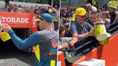 AUS vs SL T20I 2019: डेव्हिड वॉर्नर जेव्हा गिफ्ट करतो ग्लोव्ह्ज; छोट्या चाहत्याला भावना अनावर; पाहा Video