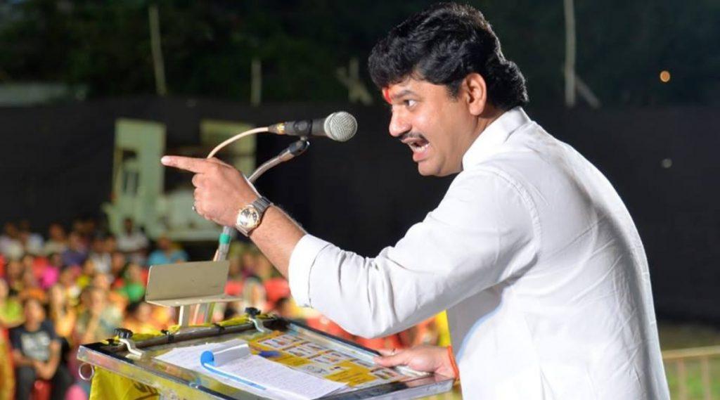 Government Formation in Maharashtra: धनंजय मुंडे यांनी अखेर मौन सोडलं, शरद पवार की अजित पवार? आपण कोणाच्या बाजूने सांगीतलं