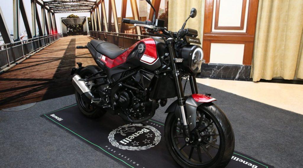 Benelli कंपनीची 'ही' आहे भारतातील सर्वात स्वस्त बाइक; फक्त 6000 रुपयांत करू शकता बुकिंग