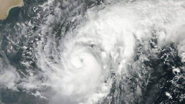 Kyarr Cyclone: 'क्यार' चक्रीवादळाचा मुंबई वरील धोका टळला; हवामान विभागाची माहिती