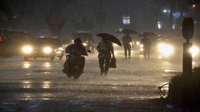 'पवन' आणि 'अम्फन' चक्रीवादळामुळे मुंबई शहरात तसेच उपनगरांत मध्यम स्वरुपाचा पाऊस
