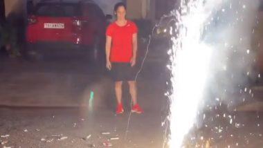 सायना नेहवाल हिने फोडले फटाके; सोशल मीडियावर चाहत्यांनी दिला  Eco-Friendly Diwali साजरी करण्याचा सल्ला; पाहा नेटीझन्सच्या प्रतिक्रिया
