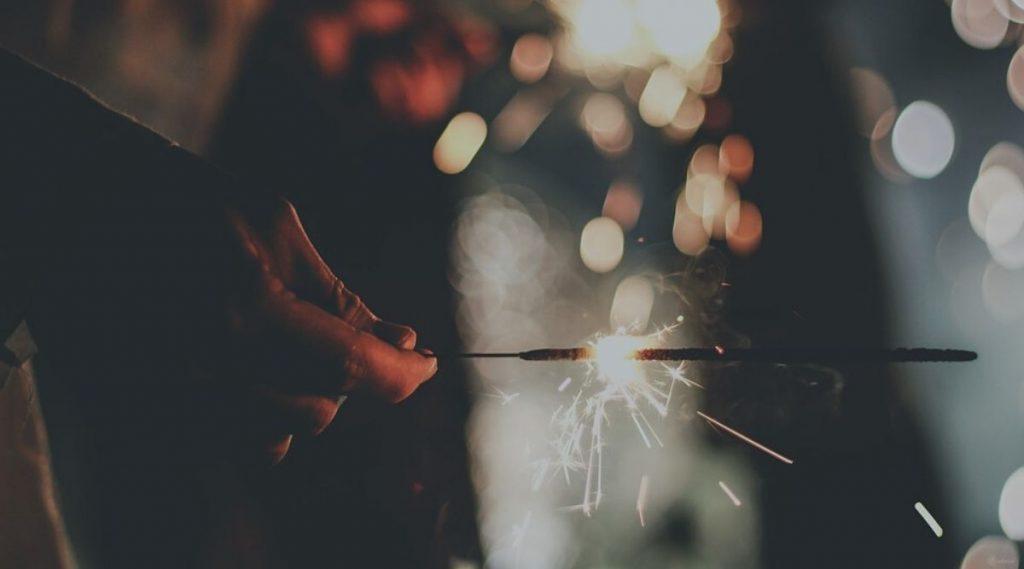Diwali 2019 Firecracker Burn First Aid Tips: दिवाळीत फटाके उडवताना भाजल्यास 'हे' प्रथमोपचार करून धोका टाळा