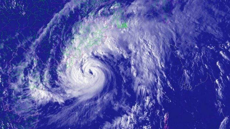 Kyarr Cyclone धोका कायम, किनारपट्टीवरील नागरिकांना सतर्कतेचा इशारा