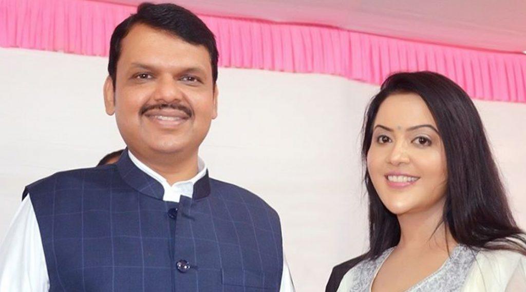 पहा Devendra Fadnavis यांच्या कामाविषयी काय म्हणाल्या पत्नी Amruta Fadnavis